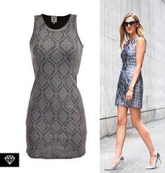 Logra un look elegante y lleno de texturas con nuestro vestido de brocado gris, a la venta en puntos Sears México.