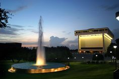The LBJ Presidential Library welcomes visitors and researchers interested in President Lyndon Baines Johnson. Presidential History, Presidential Libraries, Texas Travel, Us Travel, Austin Texas Style, Presidents Book, Georgetown Texas, Living In Brazil, Kennedy Assassination