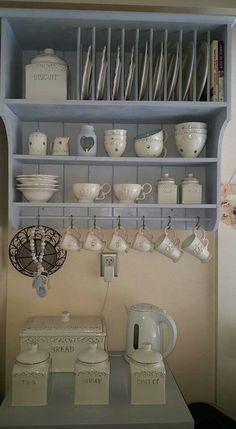 Plate Racks In Kitchen, Kitchen Redo, Kitchen Shelves, Kitchen Remodel, Kitchen Design, Kitchen Cabinets, Shabby Chic Kitchen, Country Kitchen, Cottage Kitchens