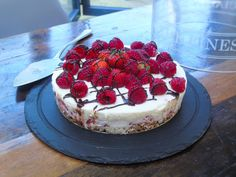I'm talking creamy, soft, delicious, cream cheese-y, cheesecake, not wobbly jelly on a dry base which unfortunately is often the way that Slimming World cheesecakes go! I made this compl…
