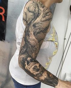 How much does a arm tattoo hurt? We have arm tattoo ideas, designs, pain placement, and we have costs and prices of the tattoo. Tree Roots Tattoo, Tree Sleeve Tattoo, Tattoo Sleeve Designs, Sleeve Tattoos, Tree Arm Tattoos, Forest Tattoos, Nature Tattoos, Body Art Tattoos, Finger Tattoos