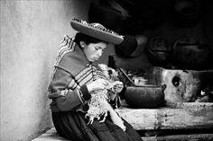 peruvian craftswoman by Fred Matos #xemtvhay