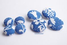 8 vintage fabric button large blue flower by CocoFlowerButtons