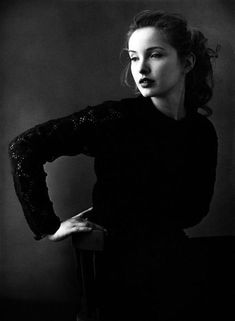 Julie Delpy photographed by Annie Leibovitz || 1992