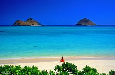 Lanikai Beach on Oahu, Hawaii! Most beautiful beach I have ever seen. Hawaii Vacation, Dream Vacations, Vacation Spots, Oahu Hawaii, Hawaii Beach, Kailua Beach, Maui, Visit Hawaii, Hawaii Travel