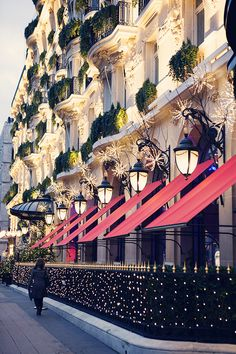 Christmas lights In Paris..