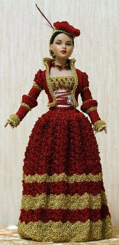 Kitty Collier 10 doll represents Anne's Boleyn Cranach Ridding Dress from The Other Boleyn Girl film. This is German renaissance ridding costume. The