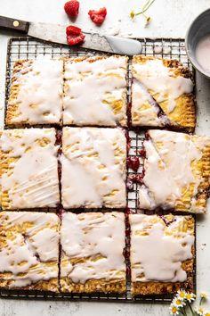 Giant Strawberries n' Cream Pop Tart. Giant Strawberries n' Cream Pop Tart. Giant Strawberry, Homemade Strawberry Jam, Strawberries And Cream, Strawberry Pop Tart, Homemade Ice, Tiramisu Dessert, Pie Dessert, Valentine's Day Quotes, Pop Tarts