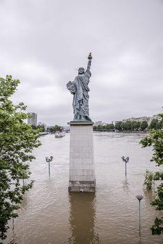 Inondations de Paris 2016 - Statue de la liberté pont de Grenelle