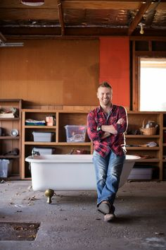 "Guess who's coming to our #HGTVDreamHome 2015 Pin Party? @mattjmuenster host of HGTV's and DIY Network's Bath Crashers and co-host of the ""HGTV Dream Home 2015"" special airing New Year's Day on HGTV. Join us Tonight 7ET! https://www.pinterest.com/hgtv/hgtv-dream-home-2015/"