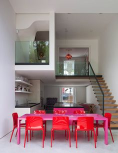 bold colors in the dining room