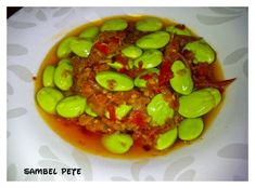 sambal-pete Sambal Recipe, Shrimp Paste, Indonesian Cuisine, Fish Sauce, Rice Vinegar, Cooking Recipes, Yummy Food, Favorite Recipes, Stuffed Peppers