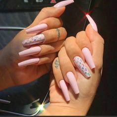 Cute Acrylic Nail Designs, Pink Nail Designs, Louis Vuitton Nails, Gucci Nails, Long Gel Nails, Halloween Nail Designs, Halloween Nails, Pink Acrylic Nails, Oval Nails