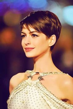 35 Cute Short Hairstyles for Women-16