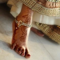 See our Anklets - Women coming from a great assortment at Ornament. Anklet Jewelry, Anklets, Bridal Jewelry, Gold Jewelry, Henna Ink, Foot Henna, Anklet Designs, Mehndi Designs, Leg Chain