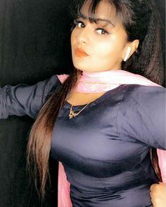 Punjabi dress Cute Beauty, Beauty Full Girl, Romantic Girl, Punjabi Dress, Kamiz, Sexy Blouse, Shalwar Kameez, Beautiful Girl Indian, Indian Fashion