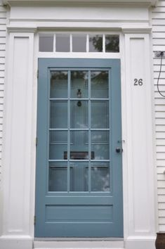 This looks like my storm door. Like what they've done with the hardware and matching paint with the main door. I like my storm door. Now I can save it and it will still look pretty Door Design Interior, Door Design, Painted Doors, Doors Interior, Diy Screen Door, Painted Exterior Doors, Black Shutters, Exterior Door Designs, Painted Storm Door