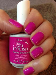 Semi permanent gel polish, tested and approved! The best way to have perfect nails