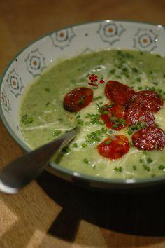 Velouté de chou-fleur & chou kale aux épices