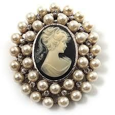 pearl cameo great idea to UPDATE MY GRANDMA'S ANTIQUE CAMEO...bea