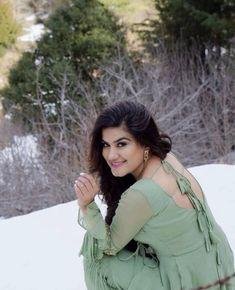 Kaur b 👌👌👌👌 Red Saree, Saree Dress, Kurta Designs Women, Blouse Designs, Beautiful Suit, Beautiful Dresses, Kaur B Suits, Neck Designs For Suits, Punjabi Fashion