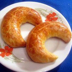 Pozsonyi kifli (patkó) Recept képpel - Mindmegette.hu - Receptek Bagel, Bread, Food, Breads, Baking, Meals, Yemek, Sandwich Loaf, Eten