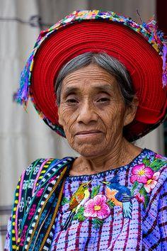 Guatemala | Tzutujil (Tz'utujil) woman ~ Santiago Atitlán | © Jessethecuerpo, via Flickr