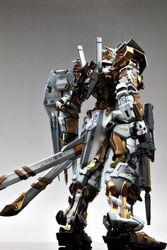 PG Gundam Astray [Gold Frame] - Customized Build Modeled by Suny Buny Gundam Toys, Gundam Art, Astray Red Frame, Battle Bots, Gundam Astray, Gundam Custom Build, Image Model, Gundam Model, Mobile Suit