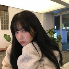 Image uploaded by - ̗̀aiione ̖́-. Find images and videos about girl, fashion and cute on We Heart It - the app to get lost in what you love. Aesthetic People, Aesthetic Girl, Pretty People, Beautiful People, Korean Photography, Uzzlang Girl, Asian Love, Hair Reference, Asia Girl