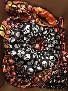 Lot Of 5 Size XS/S Skull Pumpkin Bones Dog Scrunchies Apparel Outfit Pet Clothes #Unbranded