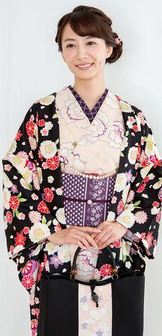 澤田 泉美 Japanese Costume, Japanese Kimono, Traditional Japanese, Traditional Outfits, Japanese Beauty, Asian Beauty, Kimono Coat, Japanese Outfits, Beauty Photos