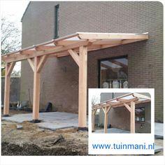 Een maatwerk veranda - overkapping, is een van de specialiteiten van Tuinmani. Deze is gemaakt van lariks hout met polycarbonaat dakbedekking. Ook verkrijgbaar is geimpregneerd hout of aluminium. Geplaatst en verkrijgbaar bij @Tuinmani #tuinmani www.tuinmani.nl