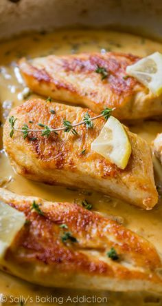 Chicken with Creamy Lemon Thyme Sauce. (Sally's Baking Addiction) Skillet Chicken with Creamy Lemon Thyme Sauce. Sauce For Chicken, Skillet Chicken, Crispy Chicken, Boneless Chicken, Stuffed Chicken, Fried Chicken, Herb Recipes, Cooking Recipes, Lemon Thyme Recipes
