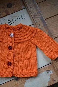 Sticka 6 v rm och maska av alla m utom den sista. Knitting For Kids, Baby Knitting Patterns, Free Knitting, Crochet Needles, Knit Crochet, Baby Barn, Romper Pattern, Knitted Dolls, Baby Sweaters