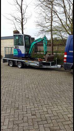2 tons minigraver met of zondermachinist te huur... Bij robschepverhuur.nl