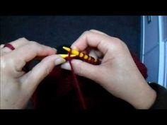 Colete em Tricô Gola Alta Aberto dos Lados com Botões - YouTube