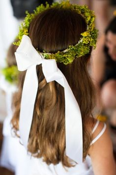 Moss flower girl crown. Dbf likes the moss, I'm uncertain. Also uncertain of bow.