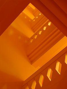 Chasing shadows of orange Orange Clair, Jaune Orange, Orange Yellow, Orange Art, Orange Walls, Orange Aesthetic, Rainbow Aesthetic, Aesthetic Colors, Badass Aesthetic