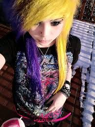 This yellow and ppurple half half hair, it's just perfect