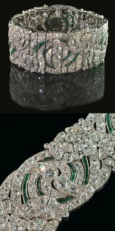 Auger Freres 1930~ Diamond and emerald Art Deco bracelet~