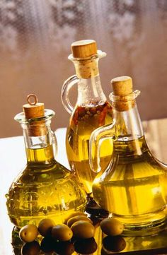 Flavored Oil Recipes - I think I'm going to remember these for the holidays! Great for my kitchen AND to make as gifts!