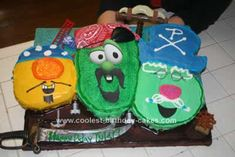 Veggie tales...the pirates are Levi's faves...just not sure I have the talent to do this...