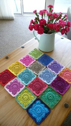 Annie's Place: Solid 'Willow' Crochet Block How-To. Beautiful color inspiration