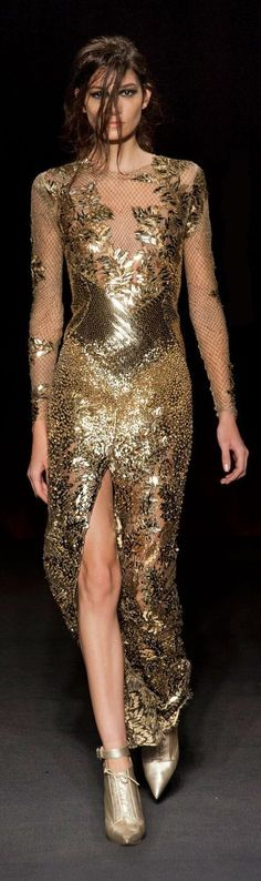 London Fall 2013 - Julien Macdonald