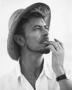 David Bowie 1995 photo by Bruce Weber