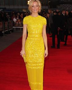 Only few people could pull off a yellow dress like that. So stunning.