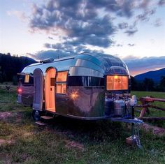 All American road trip in style, Airstream Flying Cloud. Would Love to visit each national park.