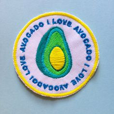 Iron on avocado badge , for big avocado fans ! Measures 8cm in diameter