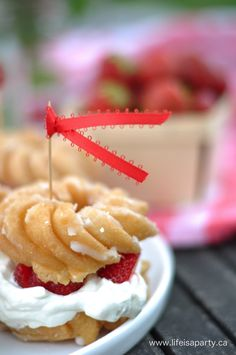 Donut+Strawberry+Shortcake WOULD MAKE THIS WITH WHIPPED COCONUT MILK AND MY OWN GRAIN FREE VANILLA DONUTS.