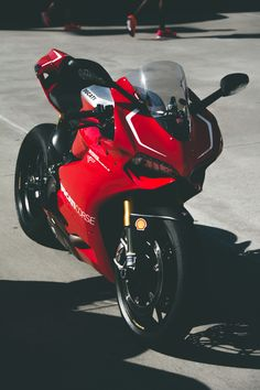 Ducati 1199 Panigale R. Beautiful Beaux Trust Me I'm A Biker Please Like Page on Facebook: https://www.facebook.com/pg/trustmeiamabiker Follow On pinterest: https://www.pinterest.com/trustmeimabiker/